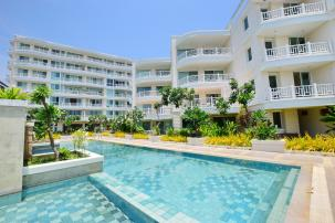 3 BDRM Beachfront Condominium in the Centre of Khao Takiab