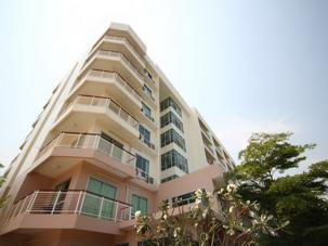 1 Bedroom condominium near Market Village - Resale