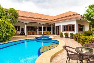Newly Remodeled L-shaped 3 Bed Pool Villa