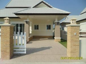 3 Bedrooms Thai style house close to Banyan Golf course