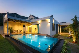 Modern 3 Bedroom Pool Villa with Roof Terrace near Popular Sai Noi Beach