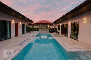 A Large Bali Style Villa within walking distance Khao Kalok Beach