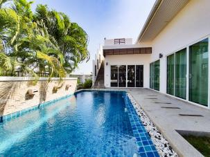 2 bedroom pool villa with roof top terrace near Sai Noi Beach