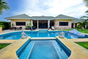 Spacious 3 Bedroom Pool Villa Featuring Beautiful Tropical Garden and Stunning Kitchen