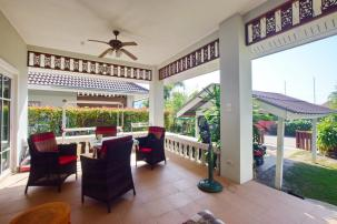 2 Bedroom Villa in Secured Compound with 4 communal pools (completed, fully furnished)