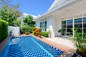 Colonial Design 2 Bedroom Pool Villa only 5 min drive to Black Mountain and International School
