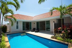 Nice 3 Bedroom Pool Villa in Secured Development near Palm Hills Golf (Off Plan)
