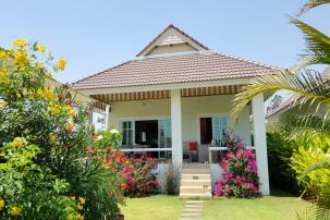 2 bedrooms House  (Resale - fully furnished, ready to move in)