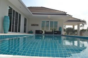 Brand New 3 Bedroom Pool Villa at Popular Woodland Project (Completed, Fully furnished)